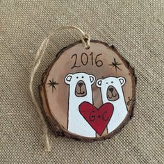 - Cet article n'est pas disponible Personalized polar bear ornament wo… Cet article n'est pas disponible Personalized polar bear ornament wood Christmas ornament Christmas Hearts, Personalized Christmas Ornaments, Christmas Wood, Diy Christmas Ornaments, Holiday Crafts, Christmas Decorations, Wood Slice Crafts, Wood Crafts, Kids Crafts