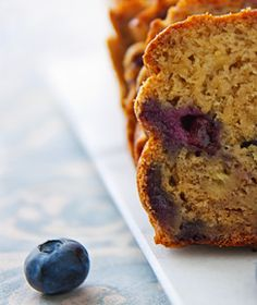 Blueberry Banana Bread: Oil-free never tasted so good! This vegan bread is a decadent way to celebrate blueberry season.