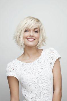 Carré plongeant sur cheveux mi-courts :) jolie cette coupe blonde