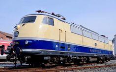 """DB Baureihe 103 """"Rheingold"""" in Nürnberg"""
