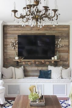 Fall Into Home Tour 2016 - Shades of Blue Interiors - Pallet accent wall with simple fall touches, and a brass chandelier - Accent Walls In Living Room, New Living Room, Home And Living, Living Room Decor, Pallet Accent Wall, Pallet Walls, Tv Wanddekor, Tv Wall Decor, Wall Tv