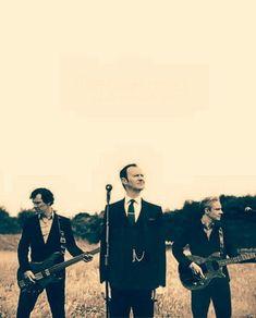 My Umbrella-Sung by Mycroft, Written by John and Sherlock as background vocals Sherlock John, Sherlock Holmes Bbc, Sherlock Fandom, Jim Moriarty, Johnlock, Eddie Vedder, Martin Freeman, Imitation Game, Fangirl