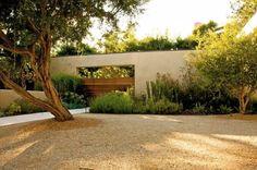 Decomposed granite front lawn Malibu, CA; Gardenista