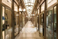 Experience the stunning atmosphere of the most legendary hotel in Paris through photos and videos, see its suites, restaurants, cooking school and spa The Ritz Paris, Paris Paris, Paris 2015, Paris France, Bal Harbour Shops, Restaurants, Grand Luxe, Wired Glass, Landmark Hotel