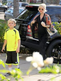 Gwen Stefani and Gavin Rossdale take their boys Kingston and Zuma to acupuncture