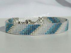 http://www.facebook.com/DolcicreazioniGioielli Bracciali realizzati con Miyuki Delica Manchettes réalisées avec métier et miyuki Delica Beadloom bracelets