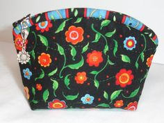Coin Purse Quilted Zipper Pouch Wallet  Daisies with by KeriQuilts, $12.00