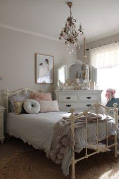 Girls-Single-Size-Claremont-Cast-Iron-Bed-Vintage-White