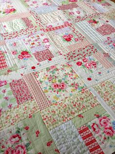 Low volume prints with a lot of white. Quilting In The Rain, QAYG style, 20 weeks with 5 blocks per week. By week we will all assemble our quilts (which will already be quilted! :) A couple days ago I announced a Quilt As-You-Go (QAYG) Quilt Quilt Baby, Rag Quilt, Scrappy Quilts, Easy Quilts, Quilt Blocks, Crib Quilts, Jellyroll Quilts, Patch Quilt, Crazy Quilting
