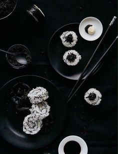 Two Loves Studio Black and White Food Photography Sushi / gratis fotografie cursus dagen)