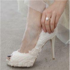 エレガントなファッションの白いレースフラワーピープトウの結婚式の靴