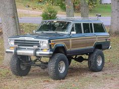 Jeep Grand Wagoneer- I think this would make the perfect glamping vehicle. So vintage!