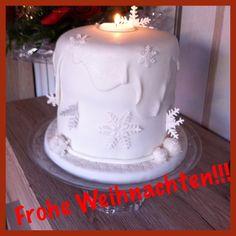Weihnachtstorte aus Fondant White Snow Stars Cake
