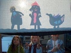 De zon als lichtbron bij schaduwspel. #shadowtheatre #schimmentheater #schim #ombres #sombras Shadow Play, Shadow Box, Tunnel Book, Great Fire Of London, Little Theatre, Wanderland, Shadow Puppets, Diorama, Ramen