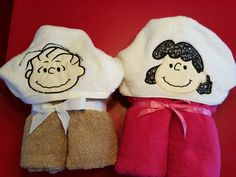 Linus ands Lucy applique hooded towels