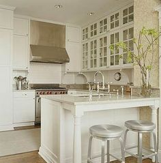 Layout for small classic kitchen with glass cabinets~ Timeless Kitchen Benches, Kitchen Redo, New Kitchen, Kitchen Remodel, Kitchen Ideas, Kitchen Island, Kitchen Layouts, Compact Kitchen, Kitchen Stools