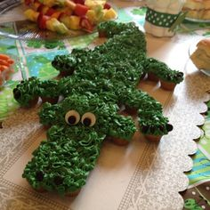 Made by one of the hosts at a baby shower I just went to. So adorable and yummy. Cupcake Cookies, Mini Cupcakes, Gator Party, Swamp Party, Birthday Parties, Birthday Cakes, Happy Birthday, Animal Party, Banquet