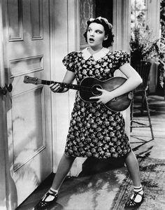 Judy Garland and baritone ukulele