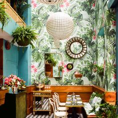 Step Inside a Tropical Oyster Bar Straight from the 50s | San Francisco's Leo's Oyster Bar serves exuberant tropical design with a side of fresh oysters and craft cocktails.