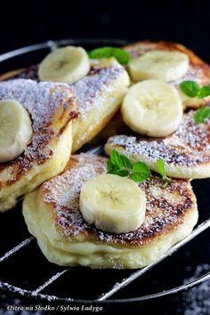 racuchy budyniowe , racuszki z bananami , racuszki budyniowe na sniadanie , puszyste racuszki , ostra na slodko 3xxx