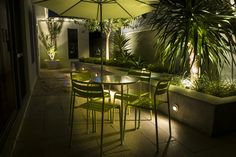 Small Courtyards - The Garden Light Company Photo Gallery