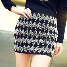 Elastic DiamondWave Pattern Mini Skirt on buytrends.com