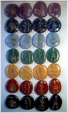 Complete set of Reiki Sets in all 7 chakra colors! Obsidian- Root Chakra Red Jasper- Sacral Chakra G. Calcite- Solar Plexus Chakra Aventurine- Heart Chakra Blue
