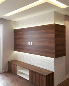 Painel de TV iluminado e sala de estar com rasgos de iluminação, revestimento 3D e madeirado ❤