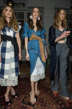 ❤ Find more fall Wear, black dresses and leggings outfits, work outfits and clothing for girls. And more online clothes shopping for women, over the knee gray suede boots and long dresses. Fashion 2018, Fashion News, Runway Fashion, Fashion Outfits, Womens Fashion, Fashion Trends, 90s Fashion, Everyday Fashion, Casual Chic