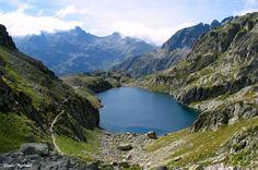 Le Lac de Nère : Situé dans les Hautes-Pyrénées, il offre aux randonneurs un endroit paisible à plus de 2300 m d'altitude !