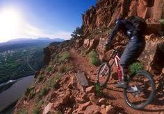 Fruita Mountain Biking - That looks a little iffy to me ~ no room for error.