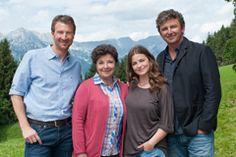 """""""Der Bergdoktor"""": Drehstart für ZDF-Winterspecial mit prominenter Besetzung: ZDF Presseportal Mcleod's Daughters, Heartland, Montana, Tv Series, Farmhouse, Actors, Destinations, Kids, Flathead Lake Montana"""