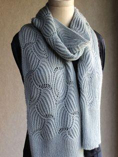 Wavy Brioche scarf