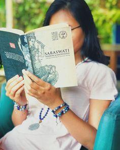 Ein weiterer Tag, eine weitere Chance, zu glänzen ✨✨  Ubud, Crystal Bracelets, Writer, Knowledge, Wisdom, Crystals, Instagram, Writers, Crystal