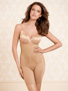 Vanishing Edge® High Waist Thigh Slimmer paired with Vanishing Back Full Coverage Bra #SomaIntimates