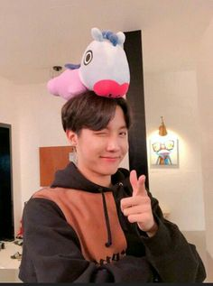 Image shared by 𝐋𝐔𝐂𝐘. Find images and videos about kpop, bts and jungkook on We Heart It - the app to get lost in what you love. Gwangju, Jung Hoseok, J Hope Selca, Bts J Hope, K Pop, Seokjin, Namjoon, J Hope Twitter, Twitter Bts