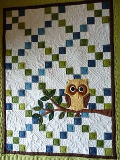 IRISH CHAIN QUILT.........PC..........Love the owl appliqué over the Irish chain quilt, and the finish quilting is as great as the piecing and appliqué. Colchas Quilting, Free Motion Quilting, Machine Quilting, Quilting Projects, Quilting Designs, Sewing Projects, Quilting Ideas, Owl Baby Quilts, Baby Owls