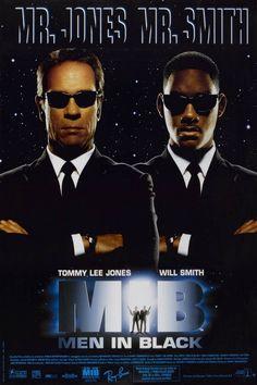 Men in Black est un film de Barry Sonnenfeld avec Will Smith, Tommy Lee Jones. Synopsis : Chargés de protéger la Terre de toute infraction extraterrestre et de réguler l'immigration intergalactique sur notre planète, les Men in black