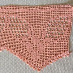 Risultato immagine per crochet altar cloth patterns Crochet Lace Edging, Crochet Borders, Crochet Squares, Love Crochet, Filet Crochet, Crochet Stitches, Crochet Curtains, Crochet Pillow, Sewing Patterns