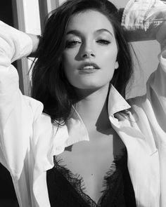 Camila Gallardo, Isabelle Lightwood, Tumblr Outfits, Black And White Portraits, Suit And Tie, Tumblr Girls, Face Claims, Woman Crush, Girl Crushes