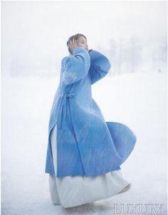 ♥ blue ♥ bleu ♥ azul ♥ blu ♥ contemporary hanbok (traditional Korean dress) ♥ by Lee, Hye-Sun ♥ Korean Traditional Clothes, Traditional Fashion, Traditional Dresses, Korean Dress, Korean Outfits, Modern Hanbok, Winter Colors, Winter Blue, Winter Coat