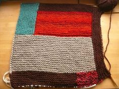 Knit a log cabin blanket (tips). Debajo un boton. Stash buster knitting project. Knit blanket. Patchwork