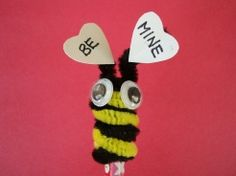 Love the bee....need to make this for William on Valentine's Day - he loves the Bee Movie right now