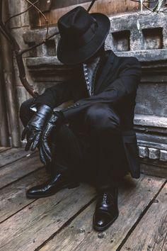 Plague Doctor by nitsuke 7 Mar 2019 001 Plague Doctor Halloween Costume, Doctor Costume, Halloween Costumes, Creepy Halloween, Plague Doctor Mask, Character Inspiration, Character Art, Character Design, Dark Angels