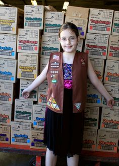 Girl Scout Rysa came by to drop off the 1,000 BOXES of cookies she sold and had donated to United Food Bank!!! She's being awarded a new patch for her incredible achievement and generosity. Next year she's hoping to sell and donate 2,000 boxes! This is going to be a delicious treat for so many people in need. THANK YOU RYSA!