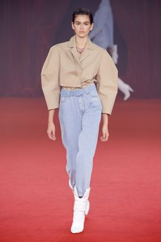 The complete Off-White Spring 2018 Ready-to-Wear fashion show now on Vogue Runway. Fashion Week Paris, Fashion 2018, Runway Fashion, Spring Fashion, Fashion Trends, Womens Fashion, Fashion Editor, Fashion Details, Look Fashion