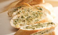 ratio for epicure garlic bread Healthy Side Dishes, Side Dishes Easy, Side Dish Recipes, Main Dishes, Garlic Dip, Garlic Bread, Epicure Recipes, Cooking Recipes, Herb Butter