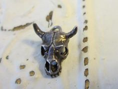 Vintage Sterling Silver Steer Skull with Horns Charm Nice Detail.