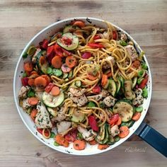 http://oqchnia.pl/danie-ekspresowe-warzywa-z-kurczakiem/ #courgette #chicken #Pasta #oQchnia #przepis #carrot