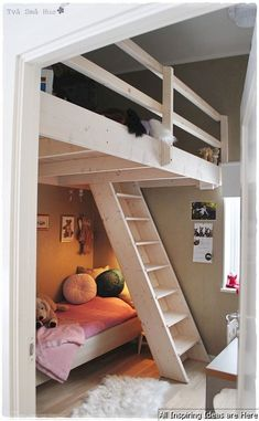 Nice 66 Awesome Small Loft Bedroom Ideas https://lovelyving.com/2017/11/13/66-awesome-small-loft-bedroom-ideas/